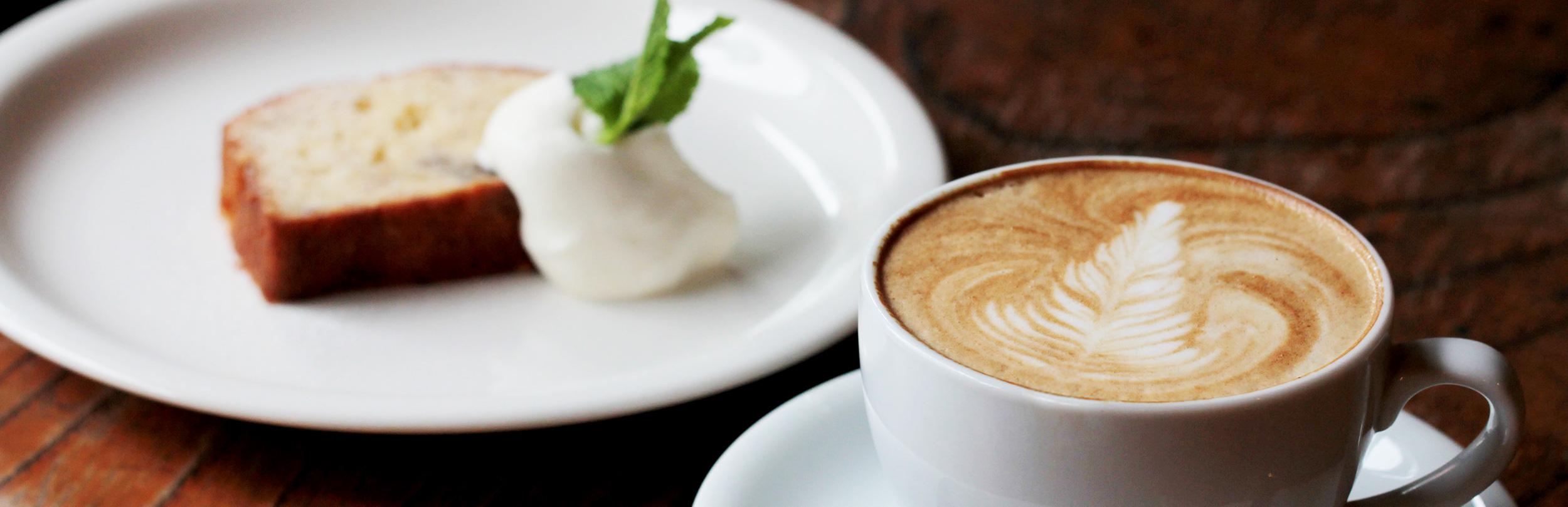 地域に根付くカフェ オープンテラスでもコーヒーが楽しめます cafe ruuDho